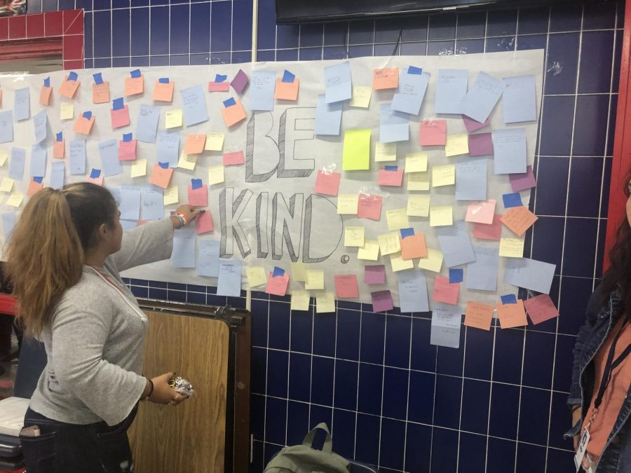Be Kind! Angee Reyes-Napoles(10) puts up Emma Stromberg's (11) message,